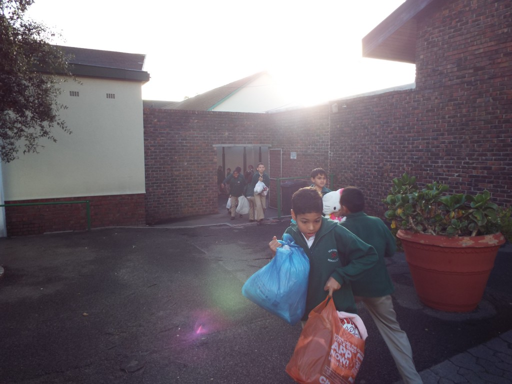 Donations for knysna fire Victims (2)