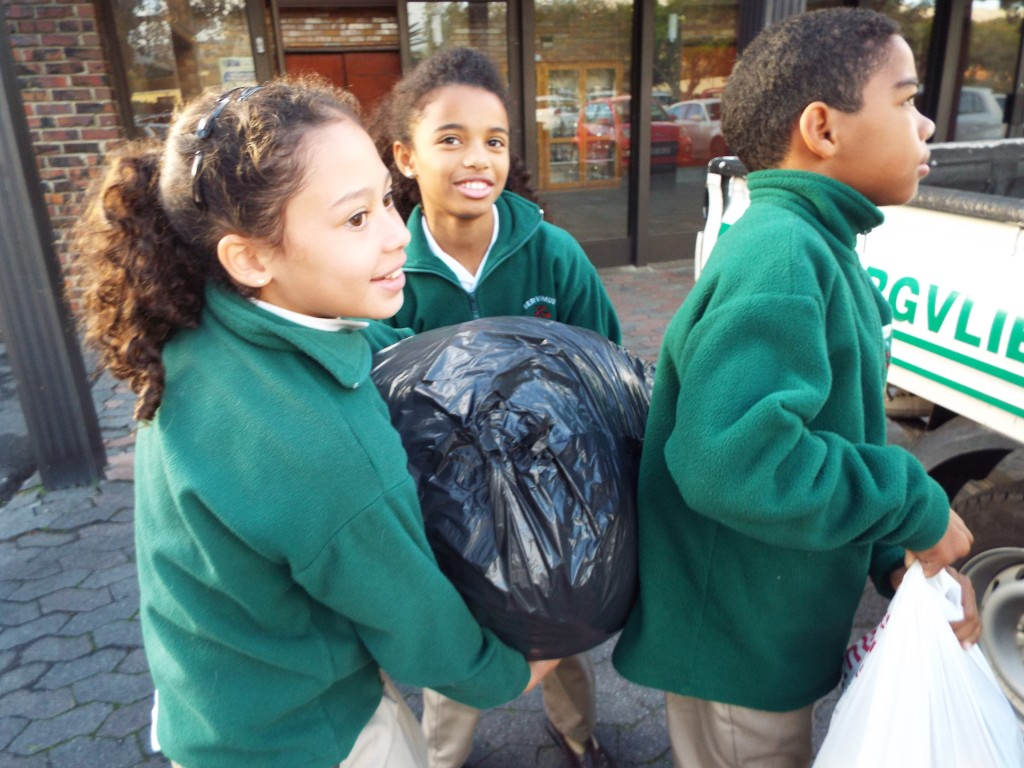 Donations for knysna fire Victims (3)