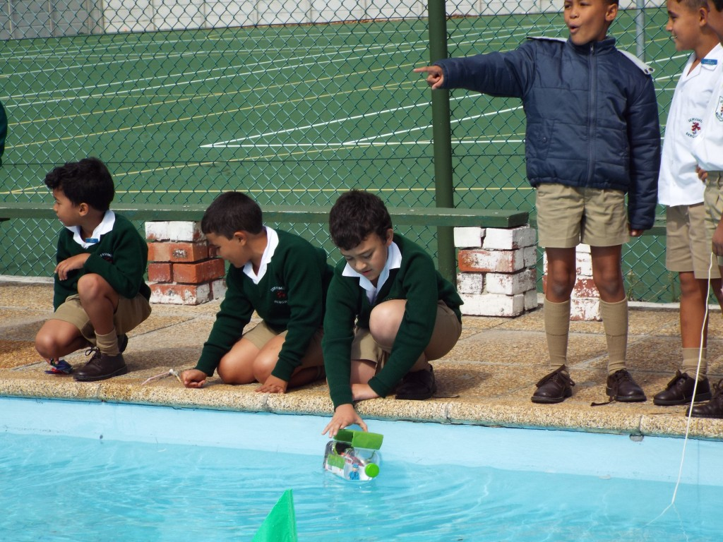 Gr 2 classes floated their boats (11)