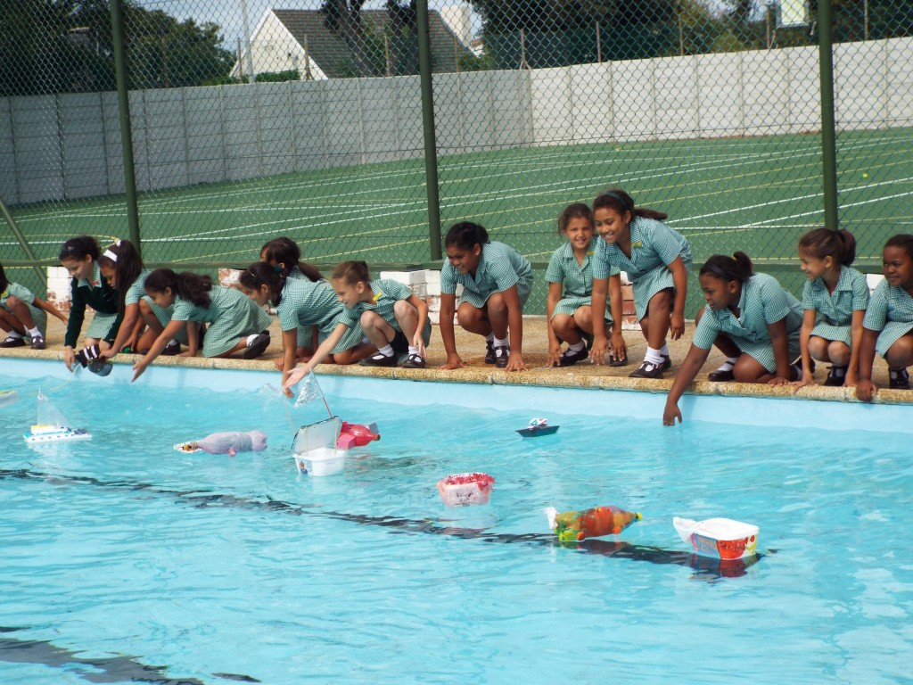 Gr 2 classes floated their boats (16)