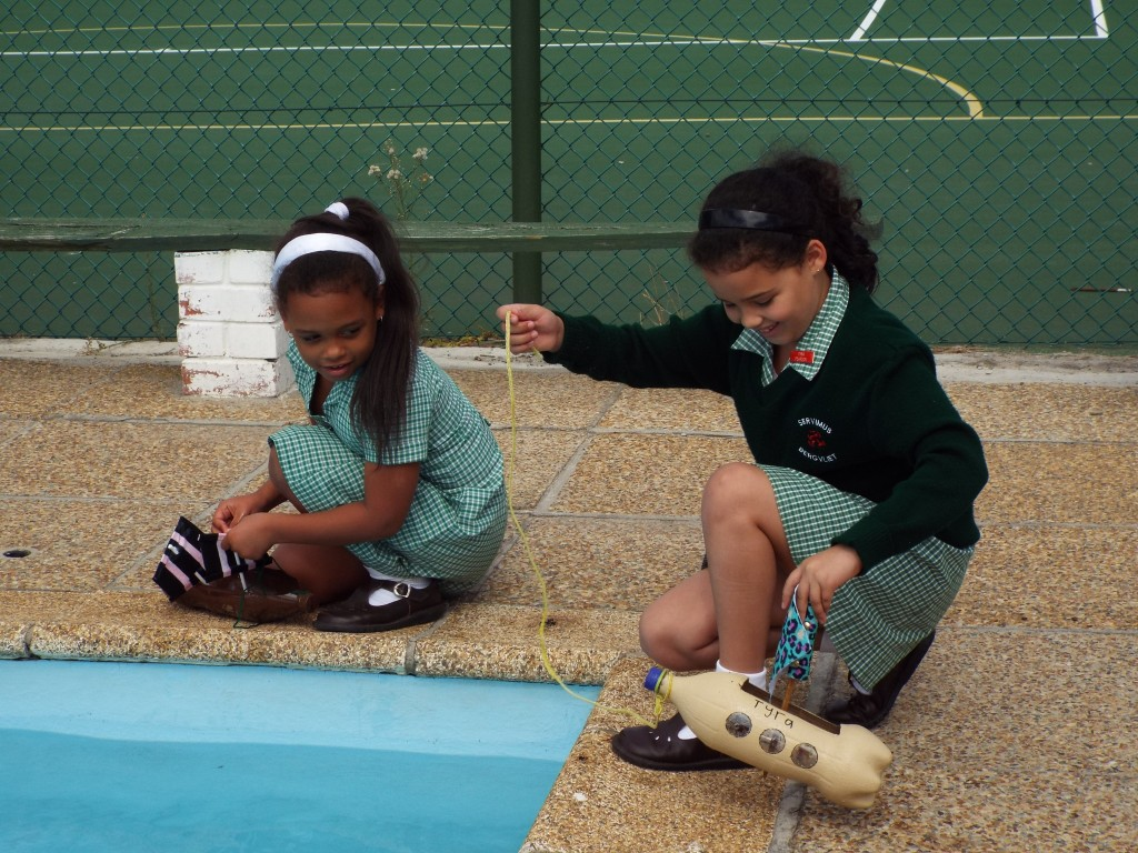 Gr 2 classes floated their boats (17)