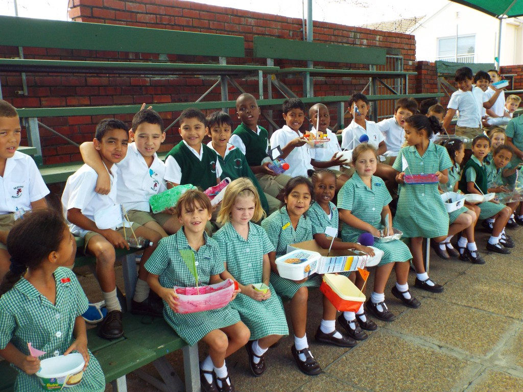Gr 2 classes floated their boats (6)