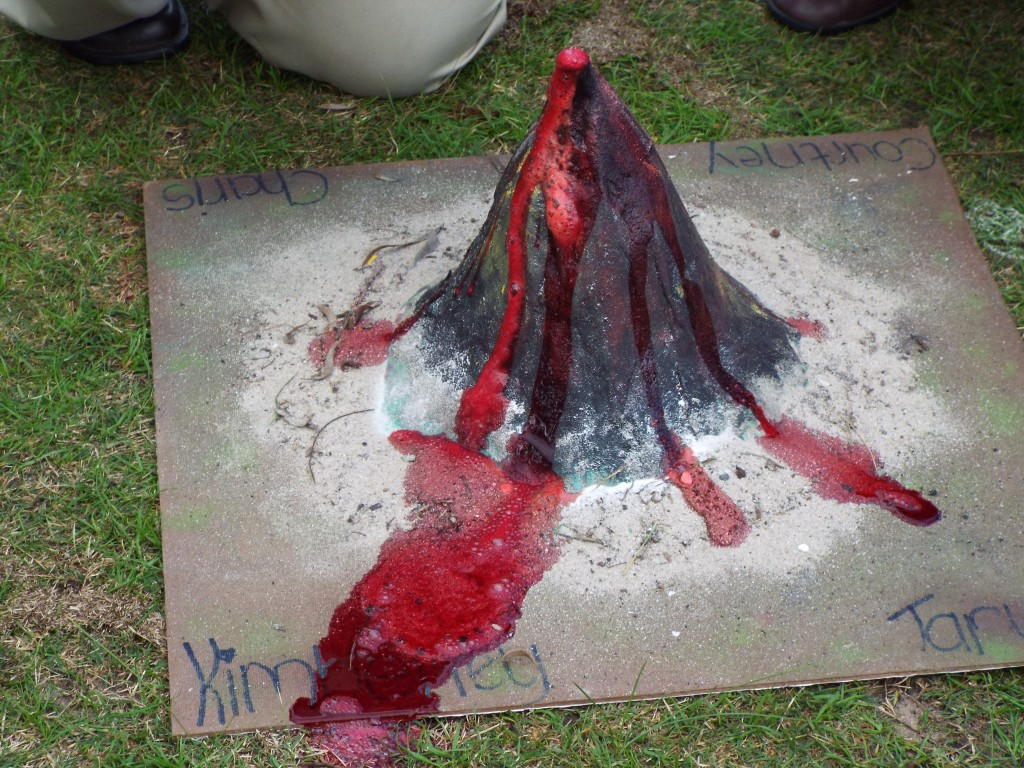 Grade 7H experimented with volcanoes (1)