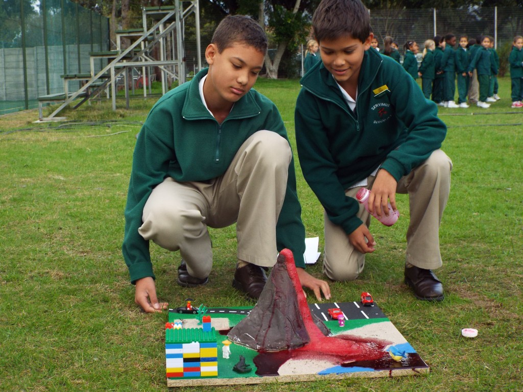 Grade 7H experimented with volcanoes (16)