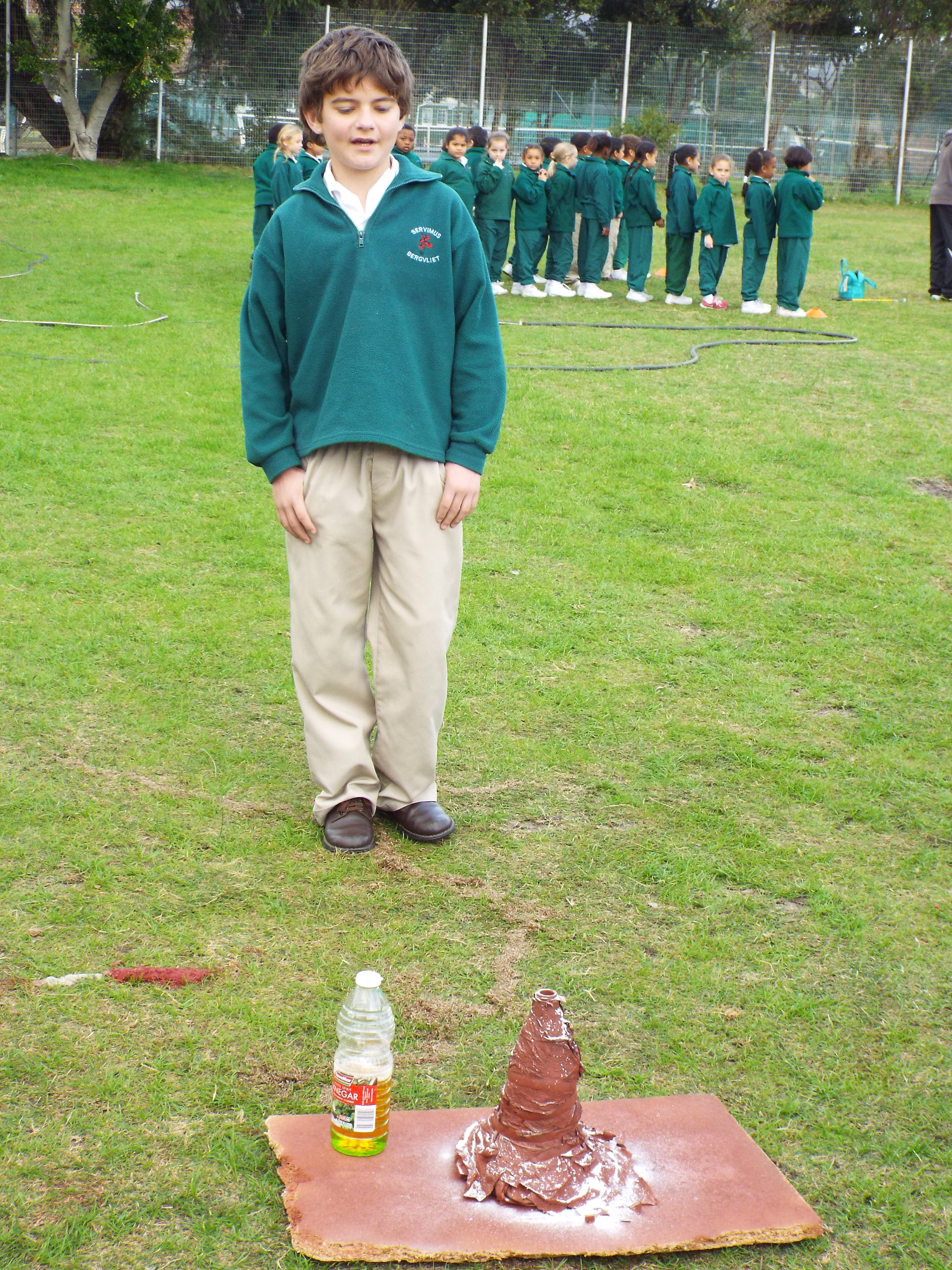 Grade 7H experimented with volcanoes (17)
