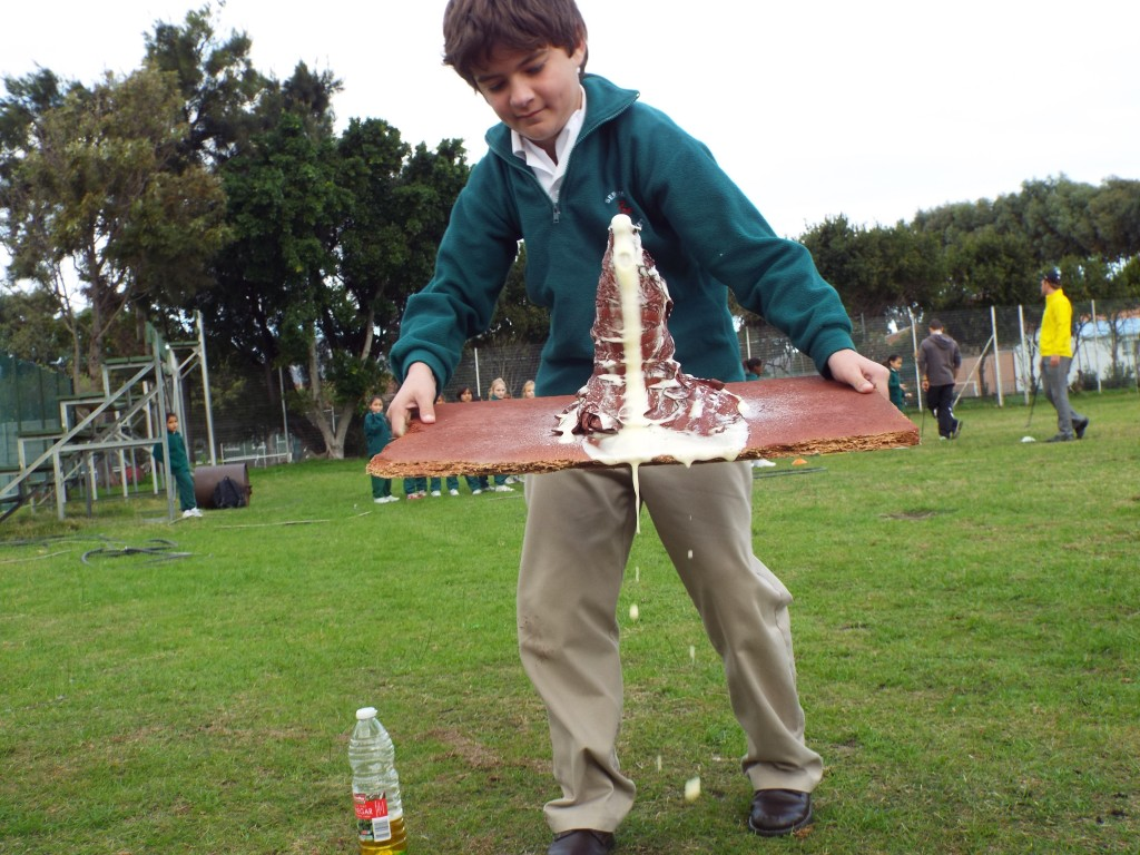 Grade 7H experimented with volcanoes (18)