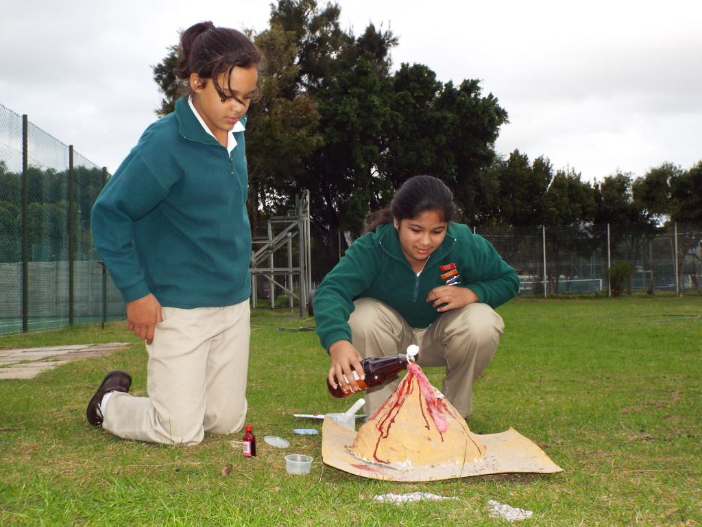 Grade 7H experimented with volcanoes (3)