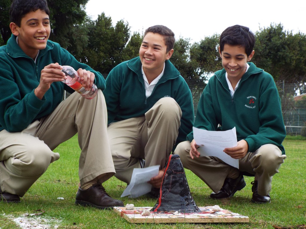 Grade 7H experimented with volcanoes (9)
