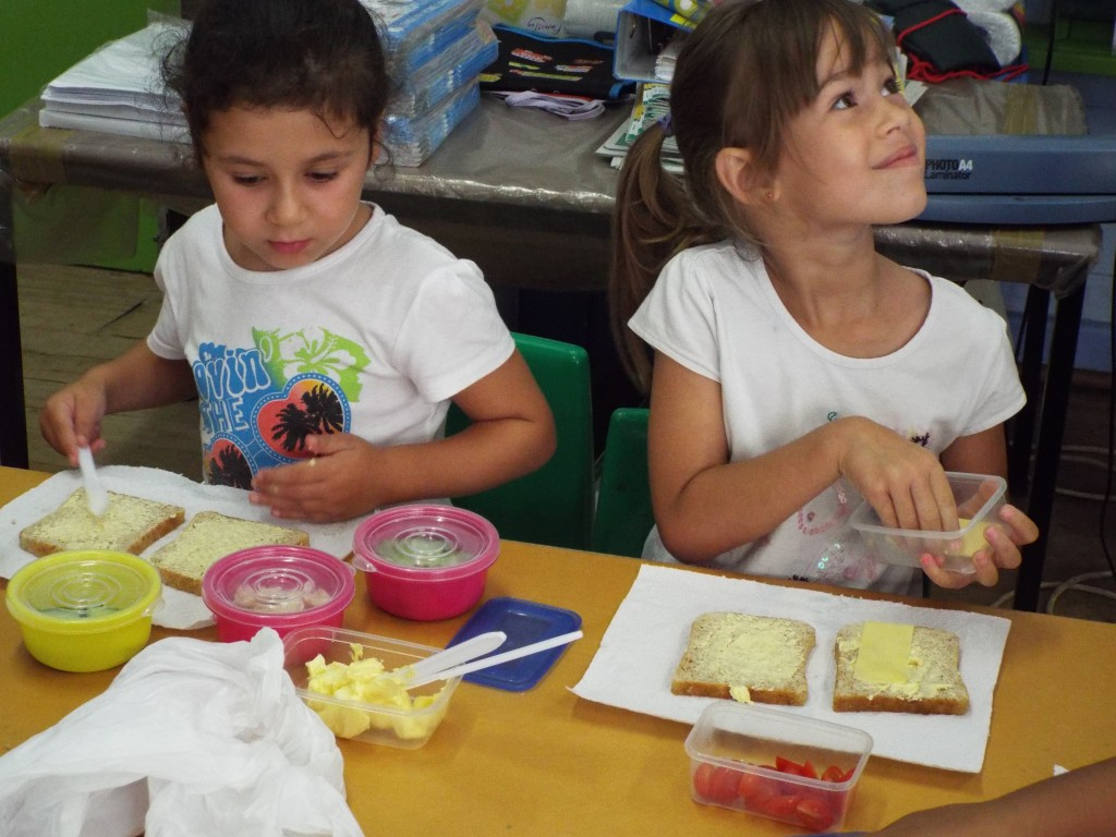 Grade R made sandwiches (16)