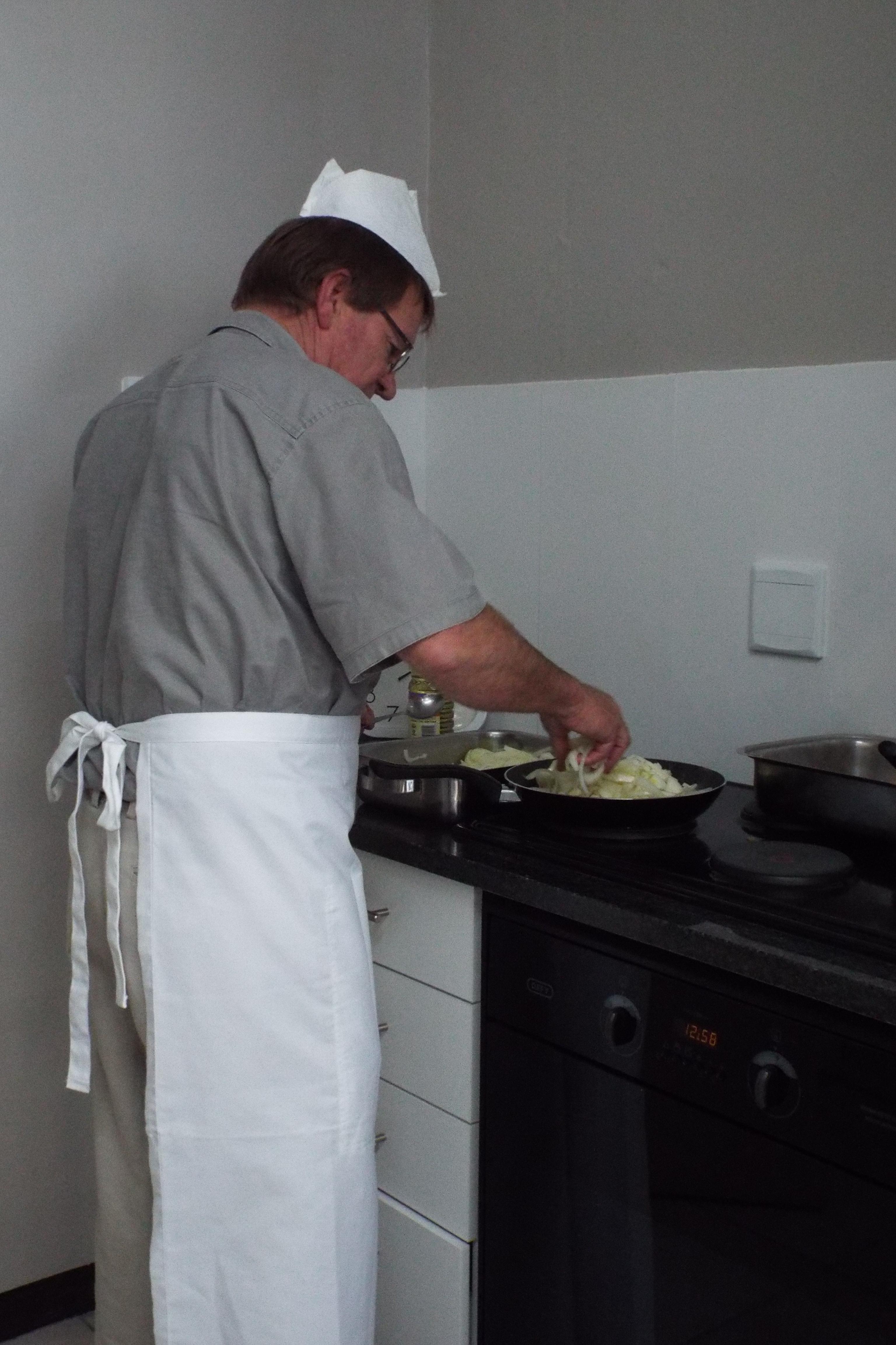 Mr Kruger in the kitchen (2)