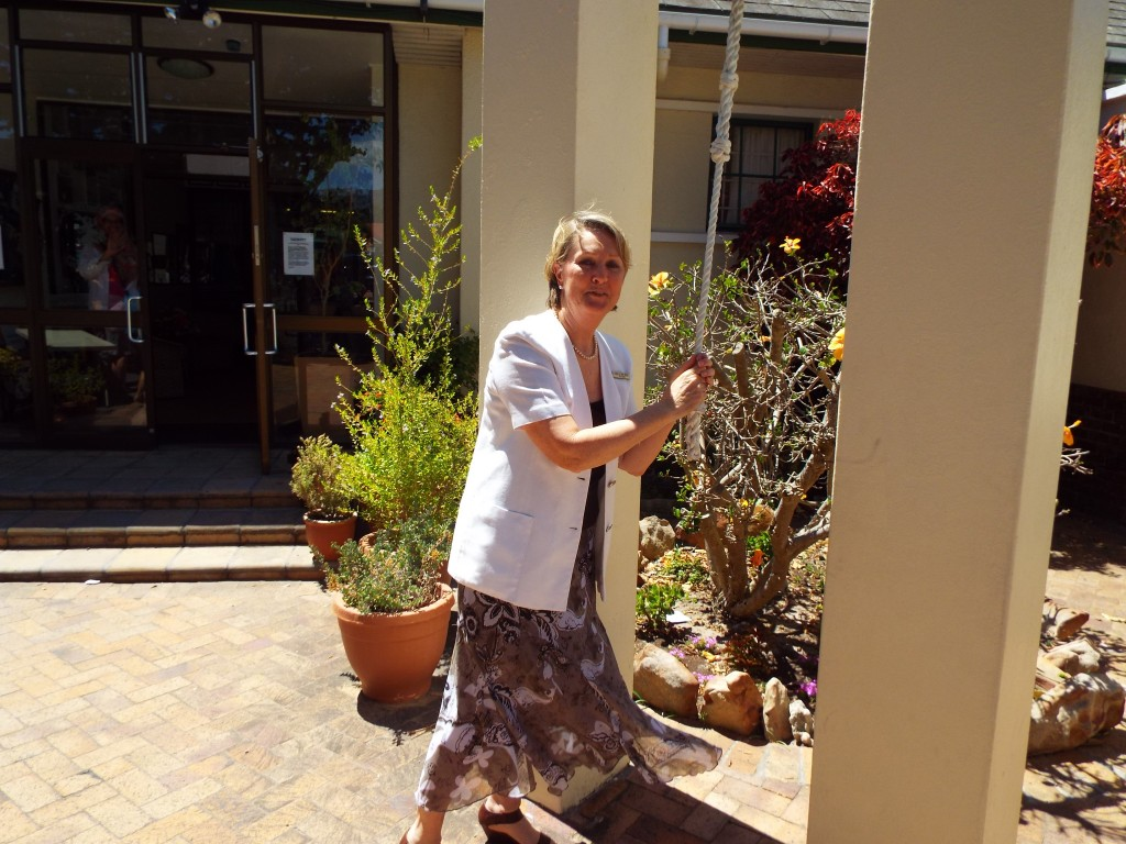 Mrs de Beer ringing the bell for the last time (1)