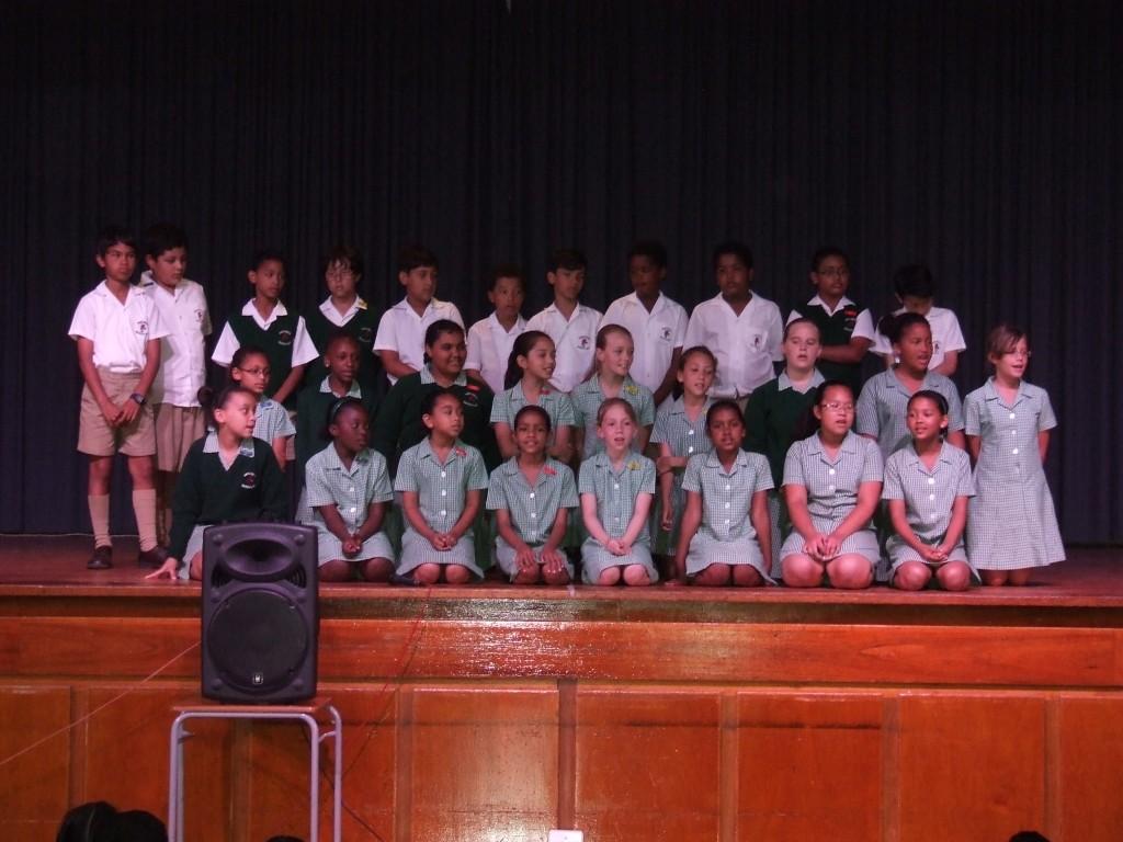 Mrs de Beer's Farewell Assembly (12)