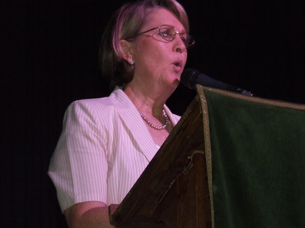 Mrs de Beer's Farewell Assembly (23)
