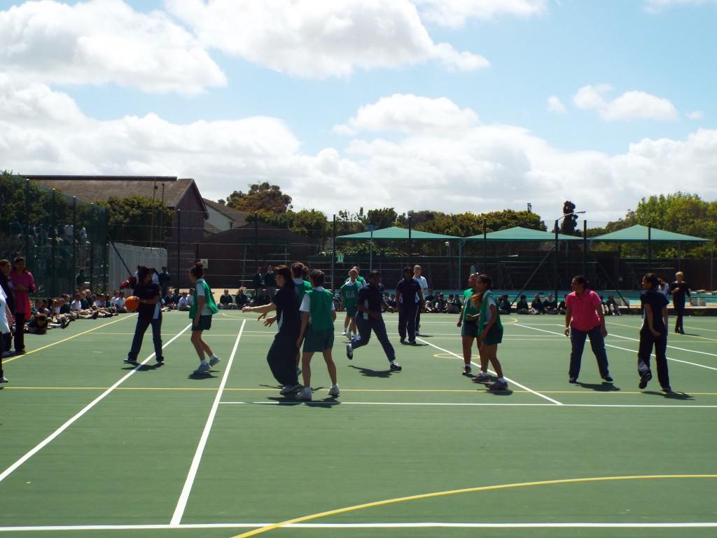 Staff vs Learners sports (7)