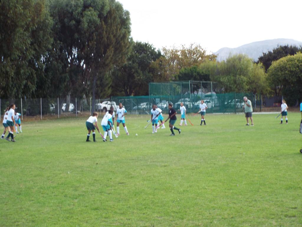 U13 girls hockey team vs Zimbabwean team (3)